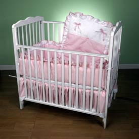 Pretty Pique Porta Crib Set